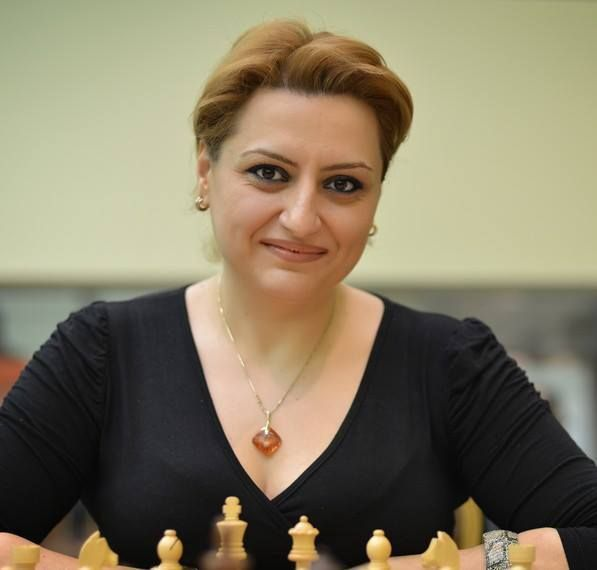 Elina chess portrait